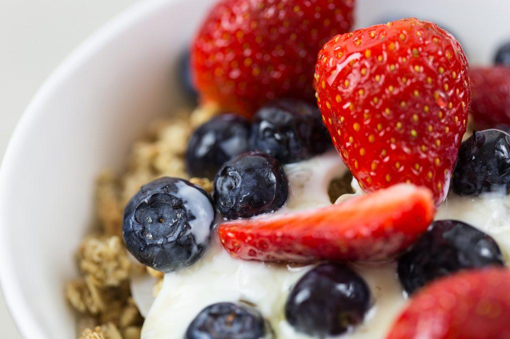 yogurt e kefir sono alimenti probiotici